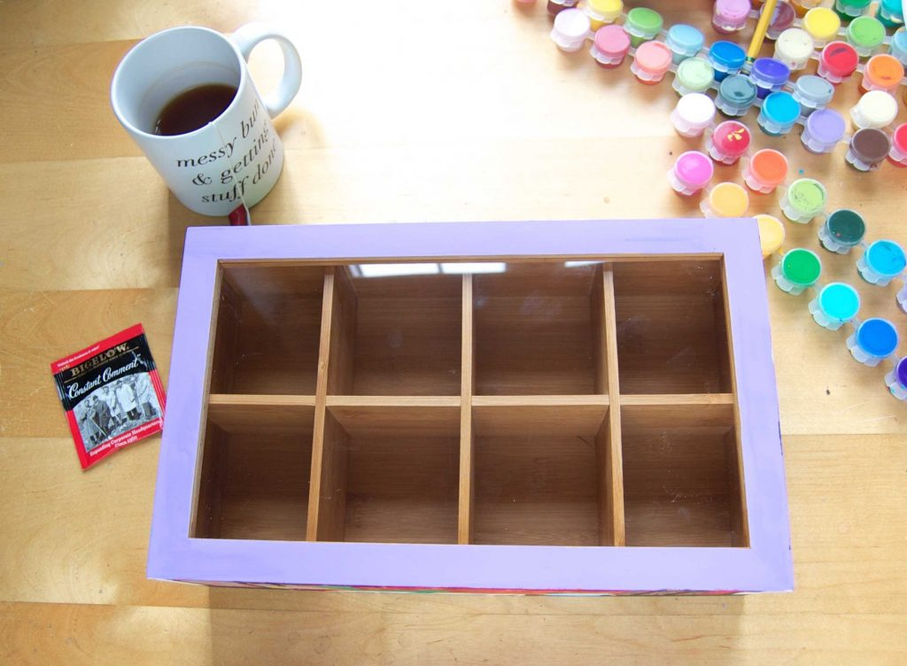 Check out this tutorial for an adorable hand-painted tea chest! These make adorable gifts for friends and family! #MeAndMyTea #ad