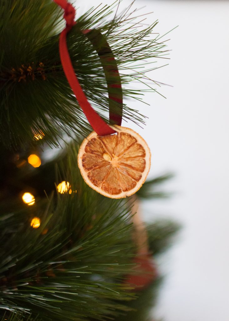 How to make orange slice ornaments