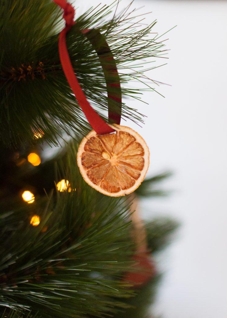 How to make orange slice ornaments